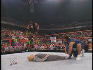 Raw 29-7-2002.16