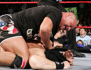 December 12, 2005 Raw.40