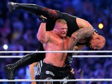 Brock-lesnar-f5-undertaker-wrestlemania-30