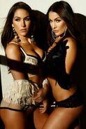 Twins2-1-