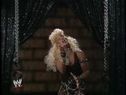 April 19, 1993 Monday Night RAW.00013