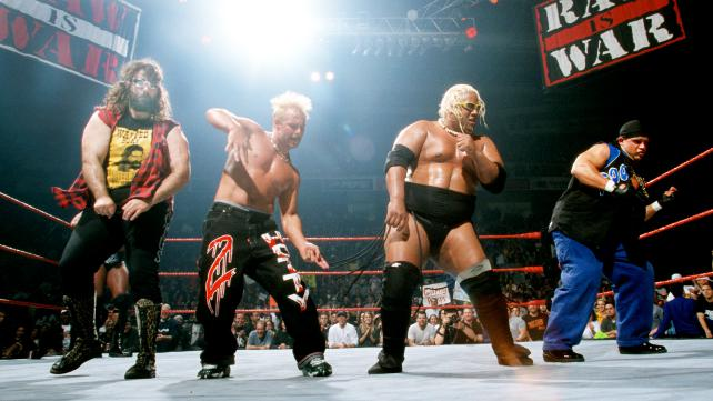 wwe raw is war 2000 results