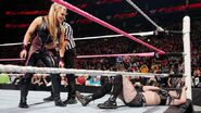 October 5, 2015 Monday Night RAW.30