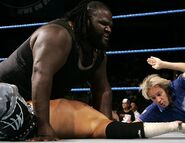 Smackdown-19-May-2006-8