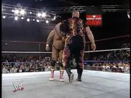 April 19, 1993 Monday Night RAW.00034