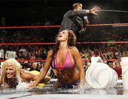 Raw 14-8-2006 19