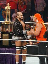 800px-Hogan congratulates Cesaro