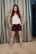 Lea Hart 2