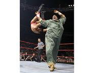 September 5, 2005 Raw.25
