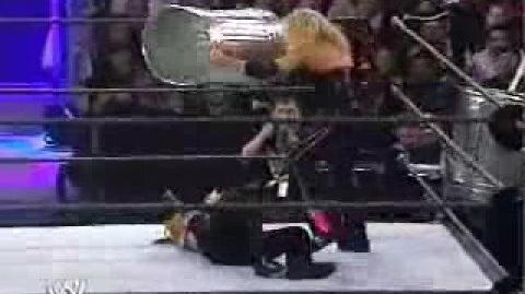 Trish Stratus vs Victoria (Survivor Series 2002)