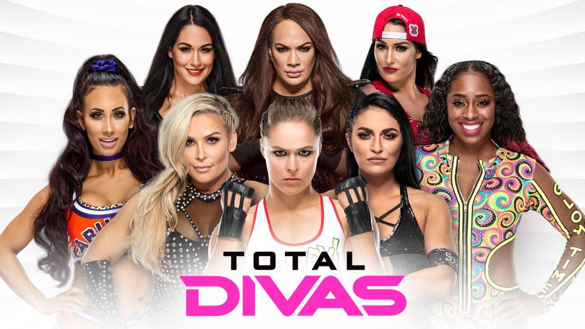 WWE NAOMI FIGURE SERIES 56 WRESTLING TOTAL DIVAS SMACKDOWN FUNKADACTYLS GLOW