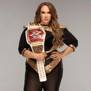 12 Raw Womens Nia Jax