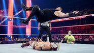 October 12, 2015 Monday Night RAW.45
