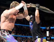 Smackdown-16June2005-10