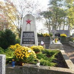 Grób żołnierzy radzieckich (drugi, mniejszy)