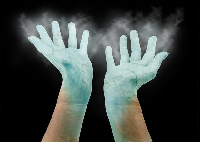 Datei:Ice hand.jpg