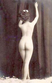 Vintage photo nude woman 2