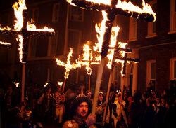Lewes Bonfire, Martyrs Crosses
