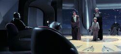 O Jovem Anakin na frente do conselho