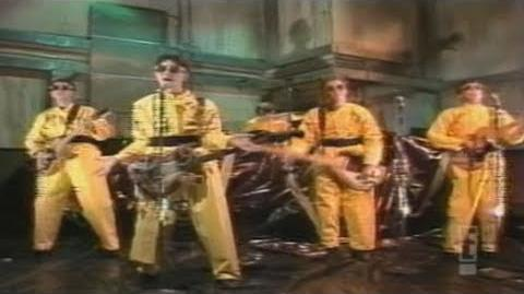 Devo - (I Can't Get No) Satisfaction (SNL 1978)