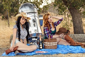 R2D2-Star-Wars-Cosplay-11