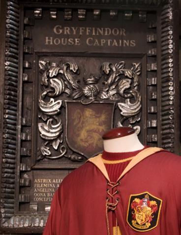 File:Gryffindor Captains Plaque.jpg