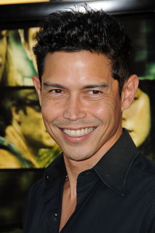 File:Anthony Ruivivar.png