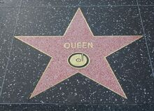 800px-Queen-star-hollywood