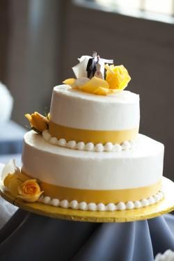 Image - Yellow-and-White-Wedding-Cake-250x375.jpg | R2D Wiki ...