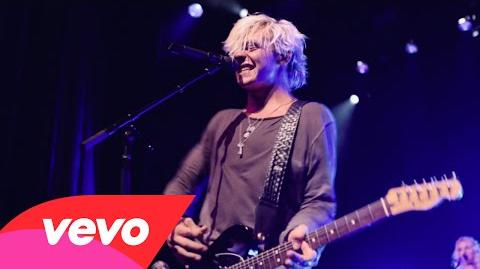R5 - Heart Made Up On You (Official Video)-1
