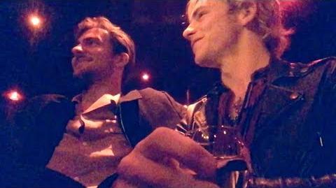 Ross & Rocky go to a club in Paris S2E8 R5 TV