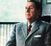 Perón de traje (1973)