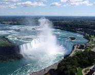Niagara-Falls-Horseshoe-Falls-view