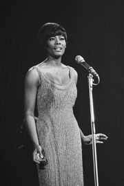 Optreden van de Amerikaanse zangeres Dionne Warwick, Bestanddeelnr 919-6271