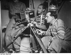 Bundesarchiv Bild 102-08538, Fritz Lang bei Dreharbeiten