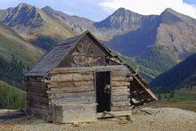 800px-Animas Forks shack