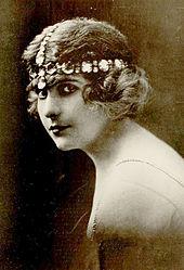 Pearl White 1916