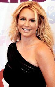 Britney Spears 2013 (Straighten Crop)