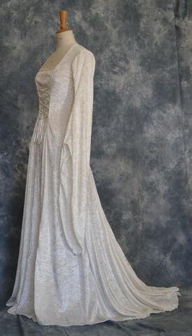 File:Elara's dressrobes.jpg