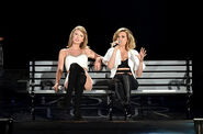 Rachel Platten And Taylor Swift4