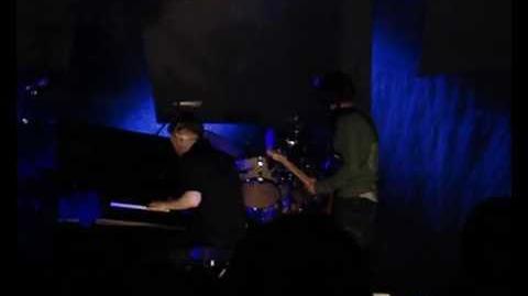 Radiohead - 4 Minute Warning (Live @ Bank of Boston Pavillion - June 4, 2006)