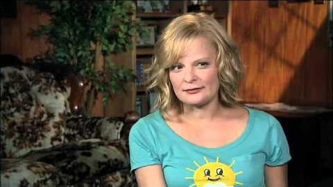 Martha Plimpton- Raising Hope