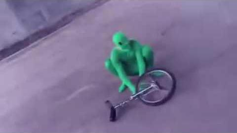 HERE COMES DAT BOI OH SHIT WADDUP