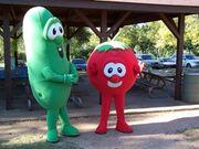 Bob-and-larry-the-veggie-tales thumbnail