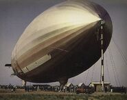 Streamlined-airship