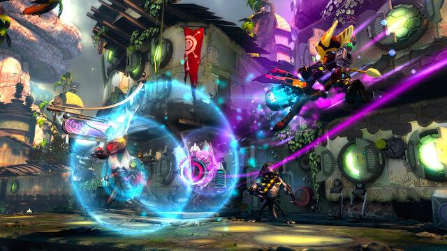 File:Ratchet fighting in Grav-Stream.jpg