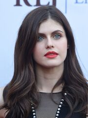Alexandra-daddario-at-burying-the-ex-premiere-in-hollywood 1