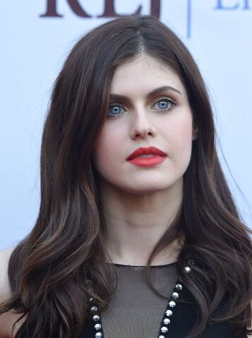 File:Alexandra-daddario-at-burying-the-ex-premiere-in-hollywood 1.jpg