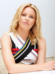 Elizabeth-banks-at-pitch-perfect-2-press-conference-in-beverly-hills 1