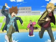 Tsuna y Dino huyen de Bianchi